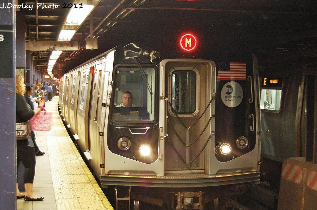 (387k, 1024x681)<br><b>Country:</b> United States<br><b>City:</b> New York<br><b>System:</b> New York City Transit<br><b>Line:</b> IND Queens Boulevard Line<br><b>Location:</b> Queens Plaza <br><b>Route:</b> M<br><b>Car:</b> R-160A-1 (Alstom, 2005-2008, 4 car sets)  8572 <br><b>Photo by:</b> John Dooley<br><b>Date:</b> 9/6/2011<br><b>Viewed (this week/total):</b> 0 / 1020