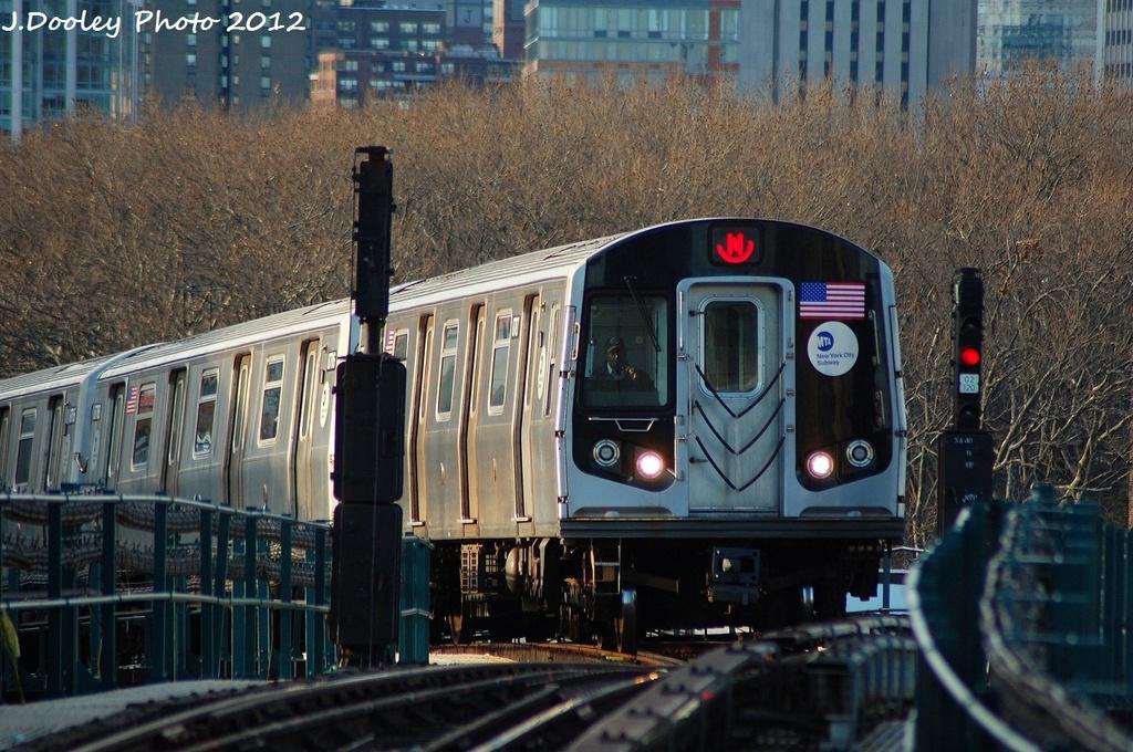 (367k, 1024x680)<br><b>Country:</b> United States<br><b>City:</b> New York<br><b>System:</b> New York City Transit<br><b>Line:</b> BMT Astoria Line<br><b>Location:</b> Queensborough Plaza <br><b>Route:</b> N<br><b>Car:</b> R-160B (Kawasaki, 2005-2008)  8787 <br><b>Photo by:</b> John Dooley<br><b>Date:</b> 1/29/2012<br><b>Viewed (this week/total):</b> 1 / 1072