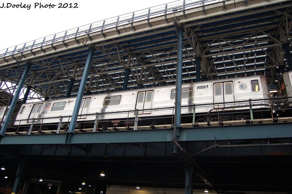 (351k, 1024x680)<br><b>Country:</b> United States<br><b>City:</b> New York<br><b>System:</b> New York City Transit<br><b>Location:</b> Coney Island/Stillwell Avenue<br><b>Route:</b> D<br><b>Car:</b> R-68 (Westinghouse-Amrail, 1986-1988)  2546 <br><b>Photo by:</b> John Dooley<br><b>Date:</b> 1/21/2012<br><b>Viewed (this week/total):</b> 3 / 1224