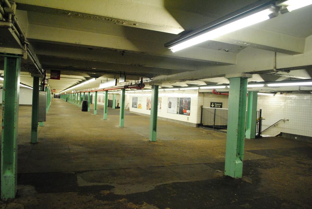 (310k, 1024x687)<br><b>Country:</b> United States<br><b>City:</b> New York<br><b>System:</b> New York City Transit<br><b>Line:</b> IND Queens Boulevard Line<br><b>Location:</b> 169th Street <br><b>Photo by:</b> Wilfredo Castillo<br><b>Date:</b> 4/2/2012<br><b>Viewed (this week/total):</b> 4 / 1714