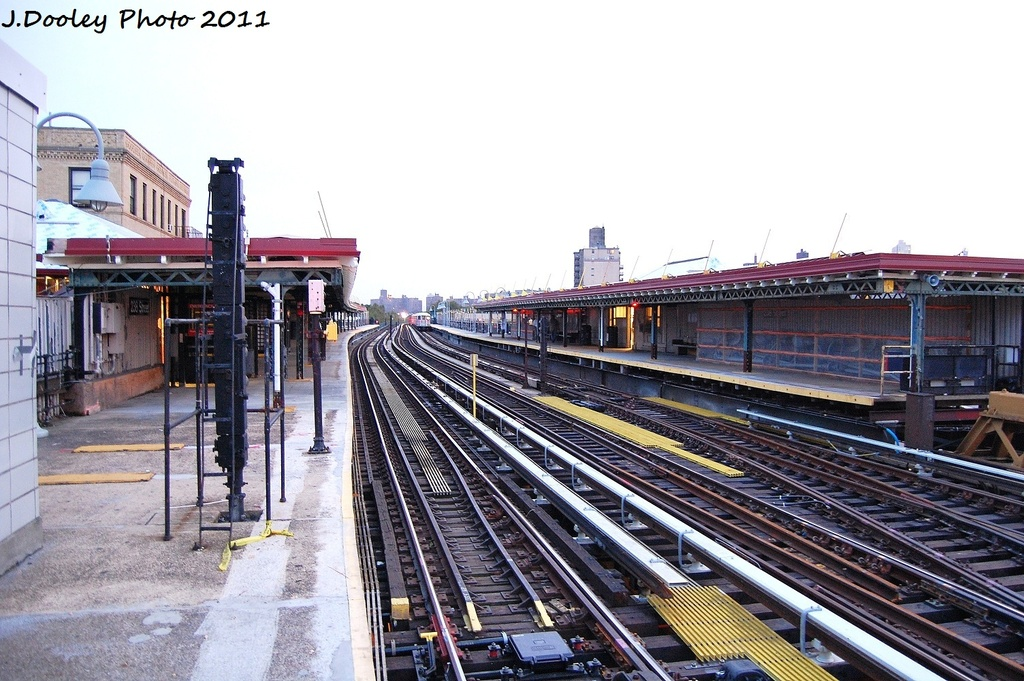 (345k, 1024x681)<br><b>Country:</b> United States<br><b>City:</b> New York<br><b>System:</b> New York City Transit<br><b>Line:</b> IRT West Side Line<br><b>Location:</b> 238th Street <br><b>Photo by:</b> John Dooley<br><b>Date:</b> 9/22/2011<br><b>Viewed (this week/total):</b> 1 / 1378