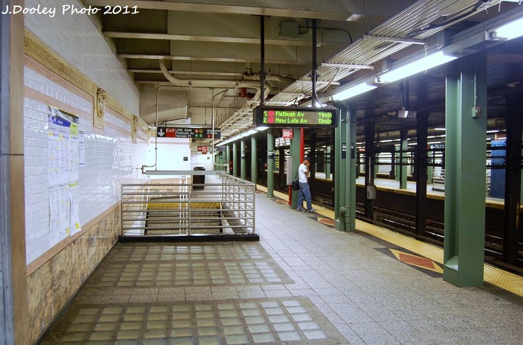 (347k, 1024x677)<br><b>Country:</b> United States<br><b>City:</b> New York<br><b>System:</b> New York City Transit<br><b>Line:</b> IRT Brooklyn Line<br><b>Location:</b> Atlantic Avenue <br><b>Photo by:</b> John Dooley<br><b>Date:</b> 9/3/2011<br><b>Viewed (this week/total):</b> 0 / 999