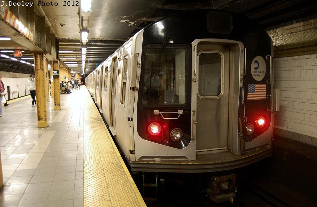 (302k, 1024x668)<br><b>Country:</b> United States<br><b>City:</b> New York<br><b>System:</b> New York City Transit<br><b>Line:</b> BMT 4th Avenue<br><b>Location:</b> 36th Street <br><b>Car:</b> R-143 (Kawasaki, 2001-2002) 8113 <br><b>Photo by:</b> John Dooley<br><b>Date:</b> 3/12/2012<br><b>Viewed (this week/total):</b> 0 / 1307