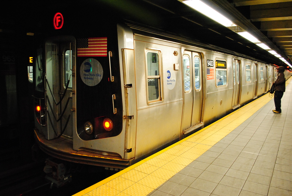 (317k, 1024x687)<br><b>Country:</b> United States<br><b>City:</b> New York<br><b>System:</b> New York City Transit<br><b>Line:</b> IND Queens Boulevard Line<br><b>Location:</b> Roosevelt Avenue <br><b>Route:</b> F<br><b>Car:</b> R-160A (Option 1) (Alstom, 2008-2009, 5 car sets)  9483 <br><b>Photo by:</b> Wilfredo Castillo<br><b>Date:</b> 4/2/2012<br><b>Viewed (this week/total):</b> 0 / 951