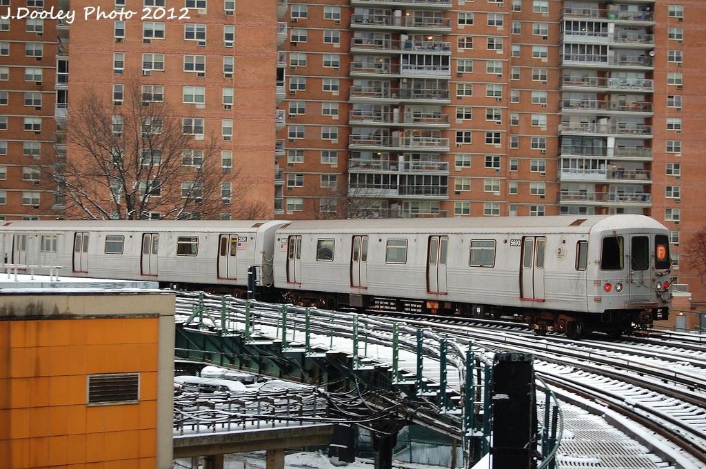 (402k, 1024x680)<br><b>Country:</b> United States<br><b>City:</b> New York<br><b>System:</b> New York City Transit<br><b>Line:</b> BMT Culver Line<br><b>Location:</b> West 8th Street <br><b>Route:</b> F<br><b>Car:</b> R-46 (Pullman-Standard, 1974-75) 5690 <br><b>Photo by:</b> John Dooley<br><b>Date:</b> 1/21/2012<br><b>Viewed (this week/total):</b> 0 / 947