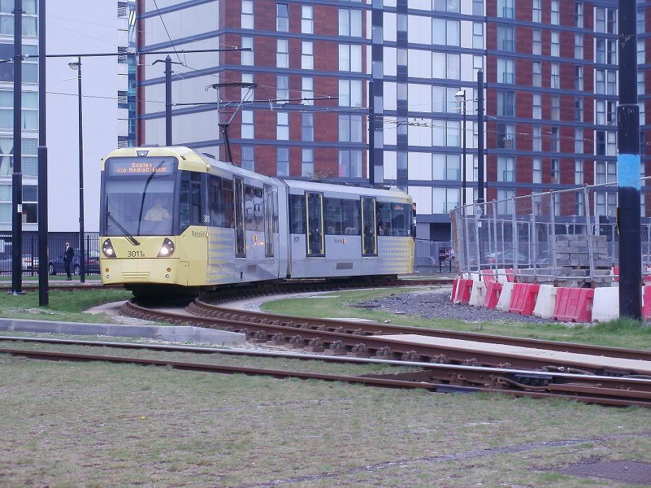 (147k, 922x692)<br><b>Country:</b> United Kingdom<br><b>City:</b> Manchester<br><b>System:</b> Metrolink <br><b>Line:</b> Eccles line<br><b>Location:</b> MediaCityUK <br><b>Car:</b>  3011 <br><b>Photo by:</b> Rob Morel<br><b>Date:</b> 4/15/2011<br><b>Viewed (this week/total):</b> 1 / 437
