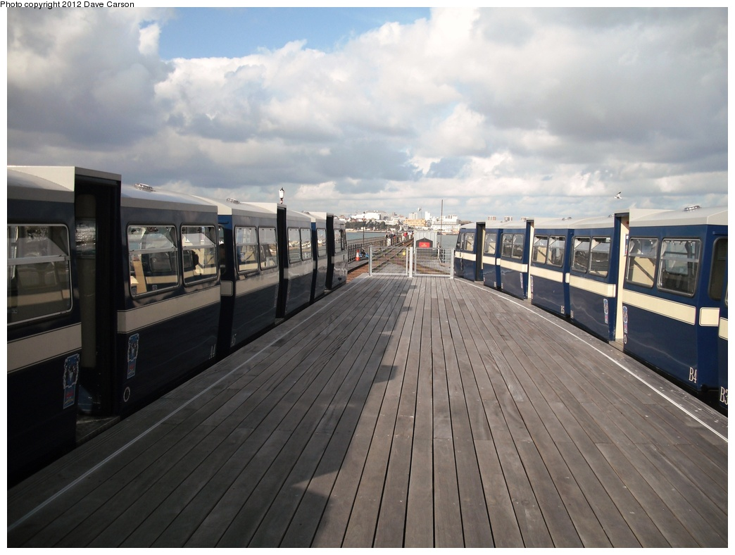 (252k, 1044x788)<br><b>Country:</b> United Kingdom<br><b>City:</b> Southend-on-Sea, Essex<br><b>System:</b> Southend Pier Railway<br><b>Photo by:</b> Dave Carson<br><b>Date:</b> 10/10/2009<br><b>Notes:</b> Platform area of the South Station which re-opened in September 2009.<br><b>Viewed (this week/total):</b> 0 / 763
