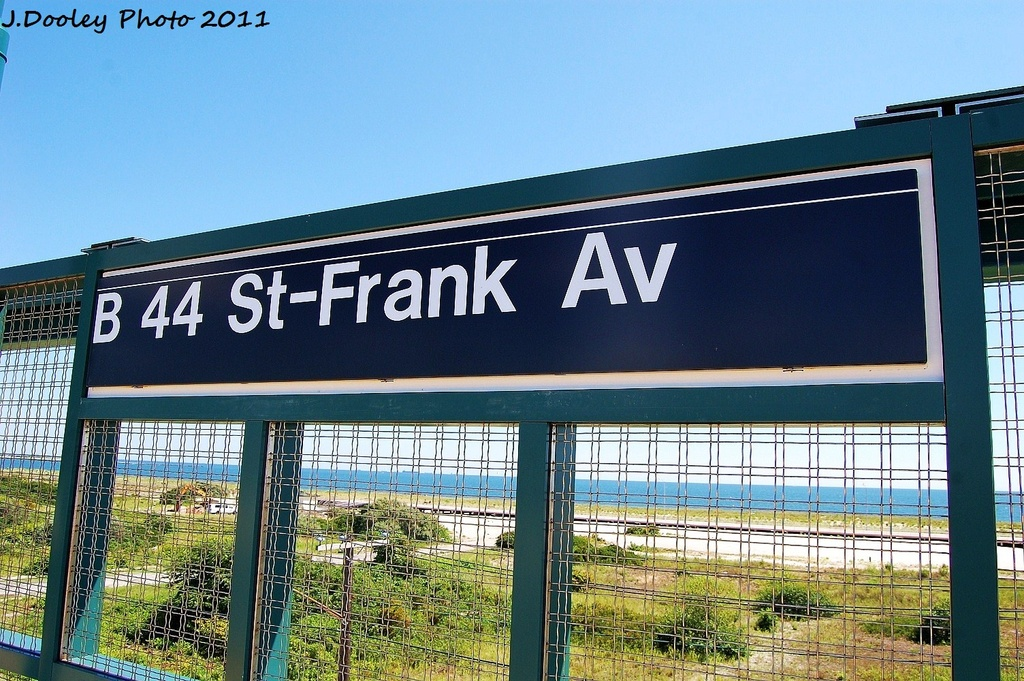 (378k, 1024x681)<br><b>Country:</b> United States<br><b>City:</b> New York<br><b>System:</b> New York City Transit<br><b>Line:</b> IND Rockaway<br><b>Location:</b> Beach 44th Street/Frank Avenue <br><b>Photo by:</b> John Dooley<br><b>Date:</b> 8/11/2011<br><b>Viewed (this week/total):</b> 0 / 609