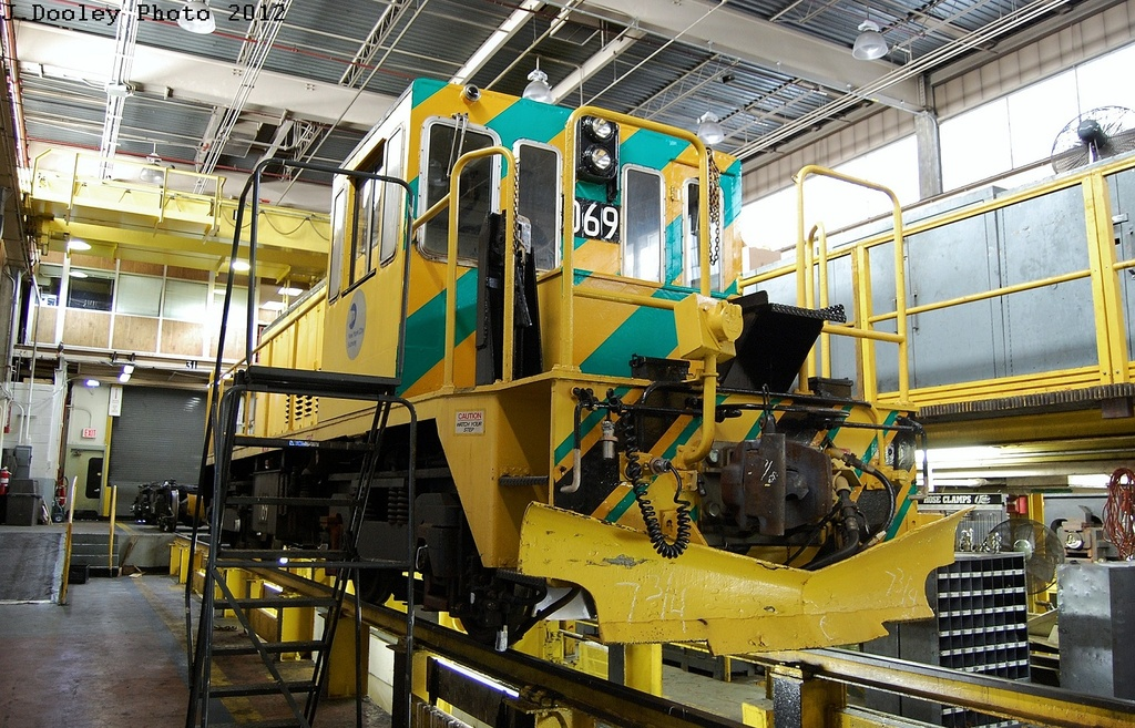 (402k, 1024x657)<br><b>Country:</b> United States<br><b>City:</b> New York<br><b>System:</b> New York City Transit<br><b>Location:</b> Westchester Yard<br><b>Car:</b> R-47 Locomotive  69 <br><b>Photo by:</b> John Dooley<br><b>Date:</b> 2/26/2012<br><b>Viewed (this week/total):</b> 0 / 546