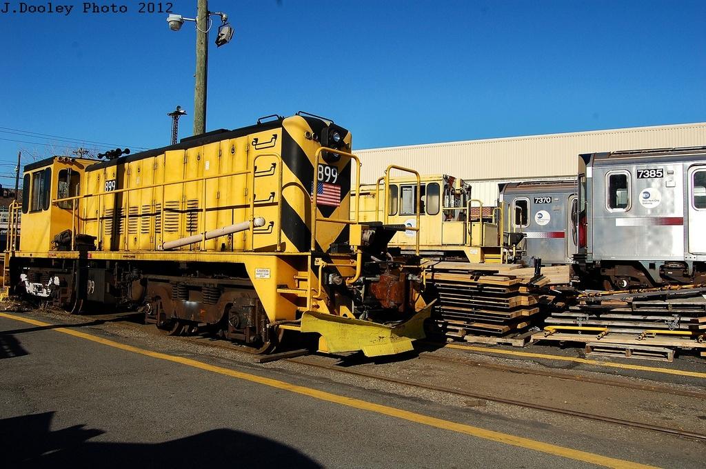 (378k, 1024x680)<br><b>Country:</b> United States<br><b>City:</b> New York<br><b>System:</b> New York City Transit<br><b>Location:</b> Westchester Yard<br><b>Car:</b> R-77 Locomotive  899 <br><b>Photo by:</b> John Dooley<br><b>Date:</b> 2/26/2012<br><b>Viewed (this week/total):</b> 0 / 525