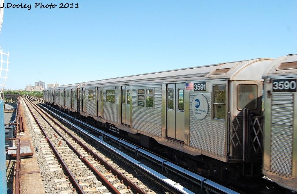 (325k, 1024x667)<br><b>Country:</b> United States<br><b>City:</b> New York<br><b>System:</b> New York City Transit<br><b>Line:</b> IND Rockaway<br><b>Location:</b> Beach 44th Street/Frank Avenue <br><b>Route:</b> A<br><b>Car:</b> R-32 (Budd, 1964)  3591 <br><b>Photo by:</b> John Dooley<br><b>Date:</b> 8/11/2011<br><b>Viewed (this week/total):</b> 1 / 684