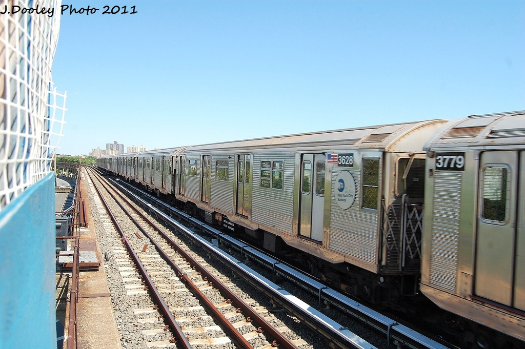 (339k, 1024x681)<br><b>Country:</b> United States<br><b>City:</b> New York<br><b>System:</b> New York City Transit<br><b>Line:</b> IND Rockaway<br><b>Location:</b> Beach 44th Street/Frank Avenue <br><b>Route:</b> A<br><b>Car:</b> R-32 (Budd, 1964)  3628 <br><b>Photo by:</b> John Dooley<br><b>Date:</b> 8/11/2011<br><b>Viewed (this week/total):</b> 2 / 640