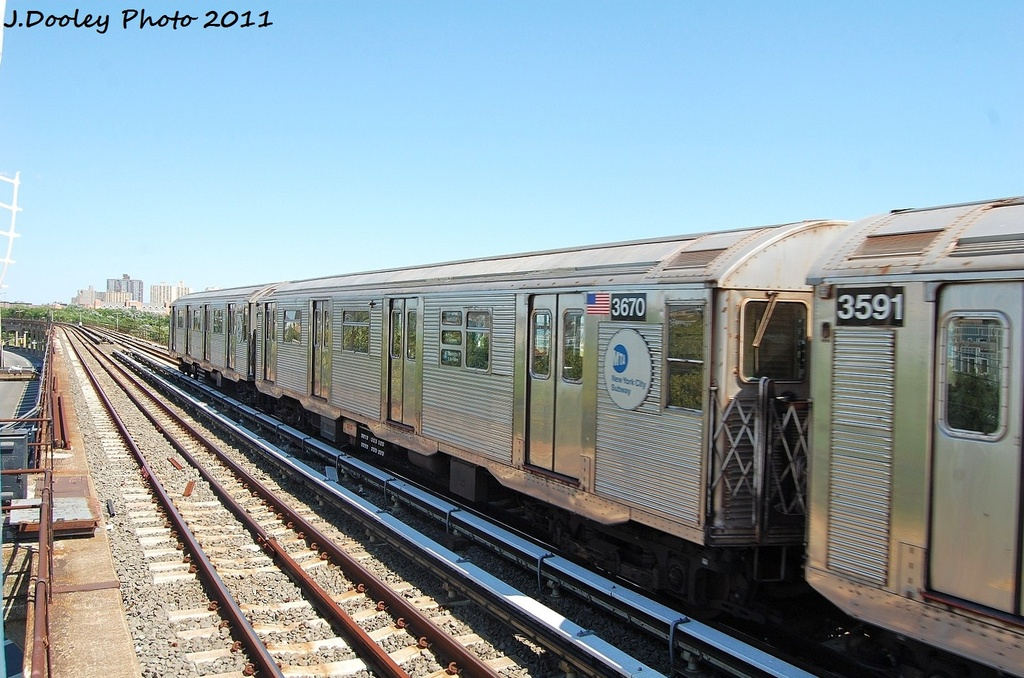 (329k, 1024x678)<br><b>Country:</b> United States<br><b>City:</b> New York<br><b>System:</b> New York City Transit<br><b>Line:</b> IND Rockaway<br><b>Location:</b> Beach 44th Street/Frank Avenue <br><b>Route:</b> A<br><b>Car:</b> R-32 (Budd, 1964)  3670 <br><b>Photo by:</b> John Dooley<br><b>Date:</b> 8/11/2011<br><b>Viewed (this week/total):</b> 0 / 549