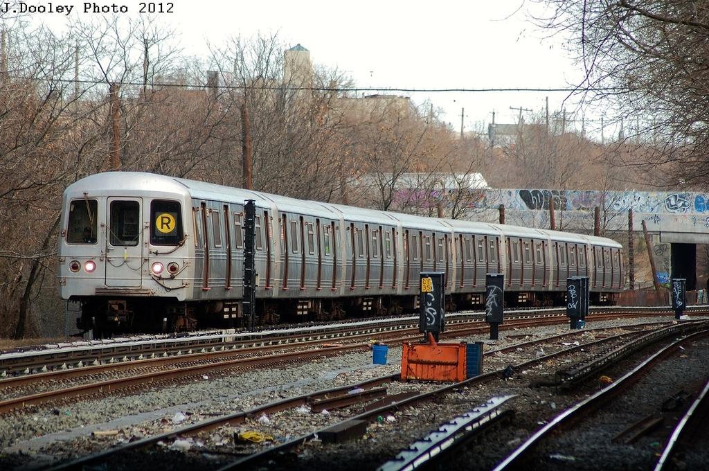 (428k, 1024x680)<br><b>Country:</b> United States<br><b>City:</b> New York<br><b>System:</b> New York City Transit<br><b>Line:</b> BMT Sea Beach Line<br><b>Location:</b> 8th Avenue <br><b>Route:</b> R<br><b>Car:</b> R-46 (Pullman-Standard, 1974-75) 5540 <br><b>Photo by:</b> John Dooley<br><b>Date:</b> 3/12/2012<br><b>Viewed (this week/total):</b> 0 / 1182
