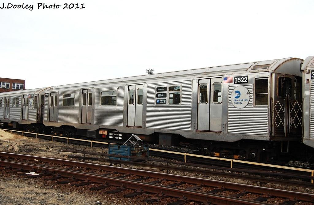 (286k, 1024x670)<br><b>Country:</b> United States<br><b>City:</b> New York<br><b>System:</b> New York City Transit<br><b>Location:</b> 207th Street Yard<br><b>Car:</b> R-32 (Budd, 1964)  3522 <br><b>Photo by:</b> John Dooley<br><b>Date:</b> 11/29/2011<br><b>Viewed (this week/total):</b> 0 / 756