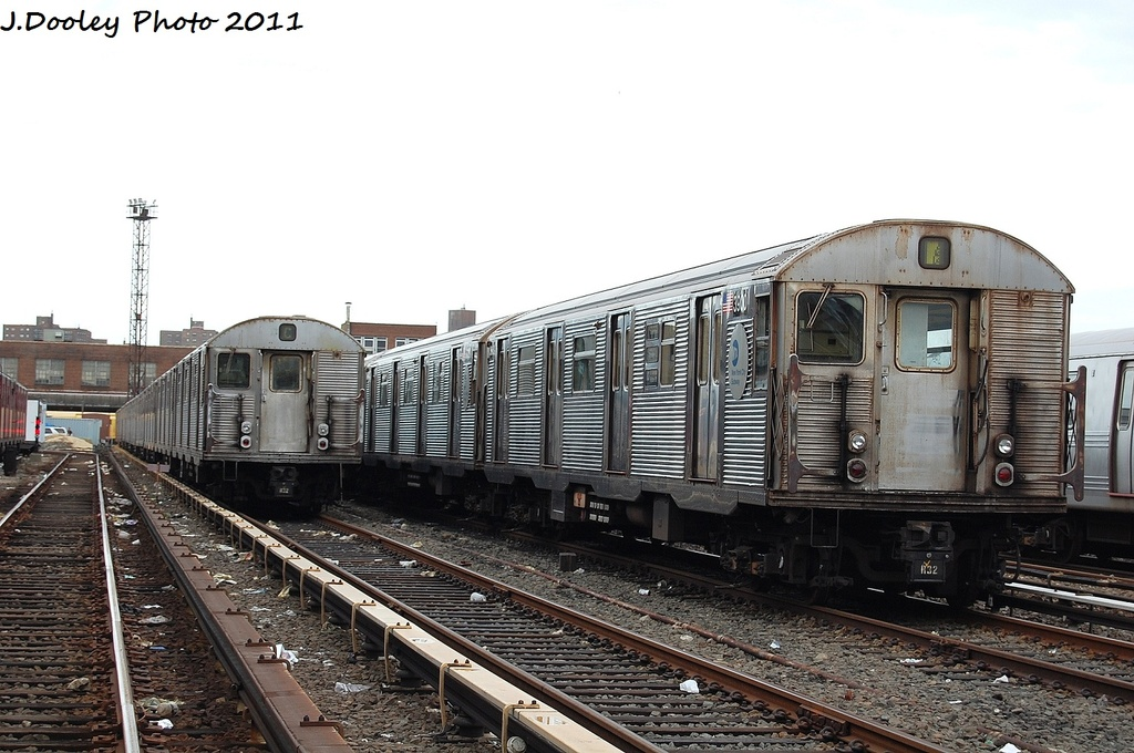 (311k, 1024x680)<br><b>Country:</b> United States<br><b>City:</b> New York<br><b>System:</b> New York City Transit<br><b>Location:</b> 207th Street Yard<br><b>Car:</b> R-32 (Budd, 1964)  3600/3900 <br><b>Photo by:</b> John Dooley<br><b>Date:</b> 11/29/2011<br><b>Viewed (this week/total):</b> 1 / 713