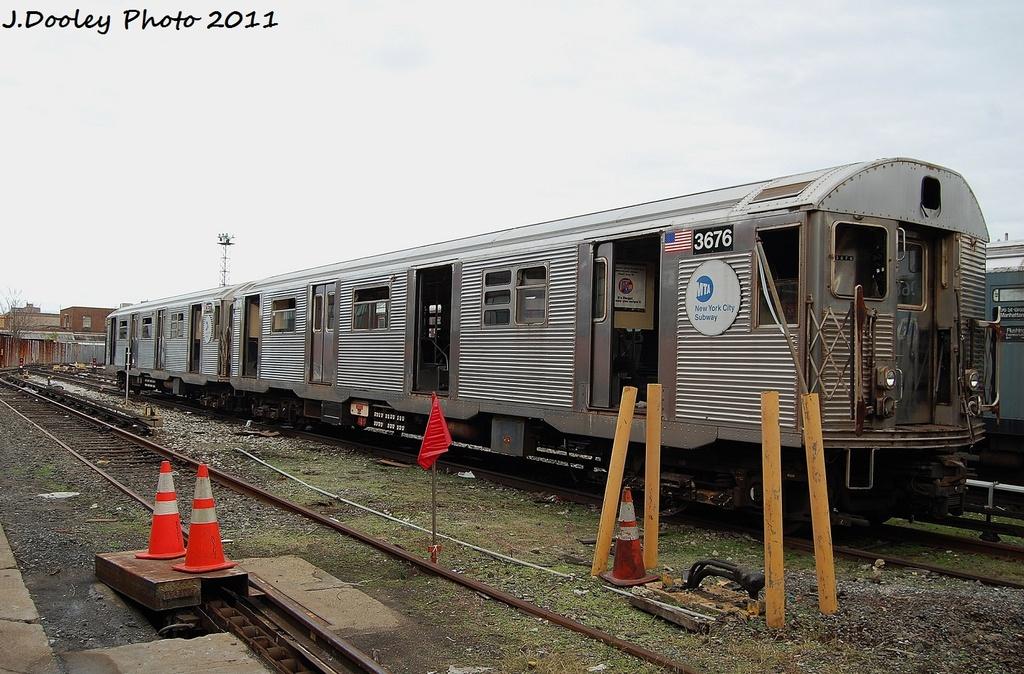 (337k, 1024x674)<br><b>Country:</b> United States<br><b>City:</b> New York<br><b>System:</b> New York City Transit<br><b>Location:</b> 207th Street Yard<br><b>Car:</b> R-32 (Budd, 1964)  3676 <br><b>Photo by:</b> John Dooley<br><b>Date:</b> 11/29/2011<br><b>Viewed (this week/total):</b> 0 / 649