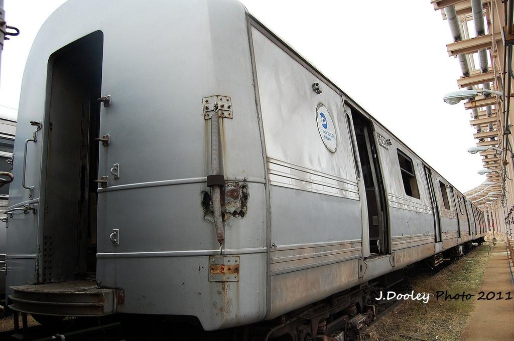 (283k, 1024x680)<br><b>Country:</b> United States<br><b>City:</b> New York<br><b>System:</b> New York City Transit<br><b>Location:</b> 207th Street Yard<br><b>Car:</b> R-44 (St. Louis, 1971-73) 5283 <br><b>Photo by:</b> John Dooley<br><b>Date:</b> 11/29/2011<br><b>Viewed (this week/total):</b> 0 / 2113