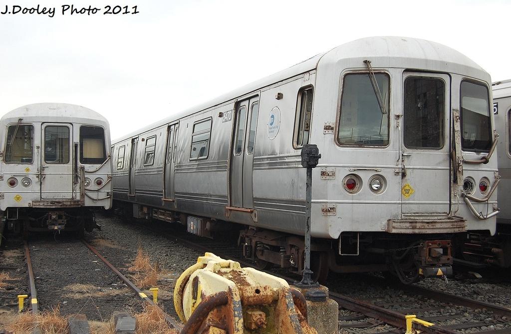 (315k, 1024x669)<br><b>Country:</b> United States<br><b>City:</b> New York<br><b>System:</b> New York City Transit<br><b>Location:</b> 207th Street Yard<br><b>Car:</b> R-44 (St. Louis, 1971-73) 5470 <br><b>Photo by:</b> John Dooley<br><b>Date:</b> 11/29/2011<br><b>Viewed (this week/total):</b> 1 / 717