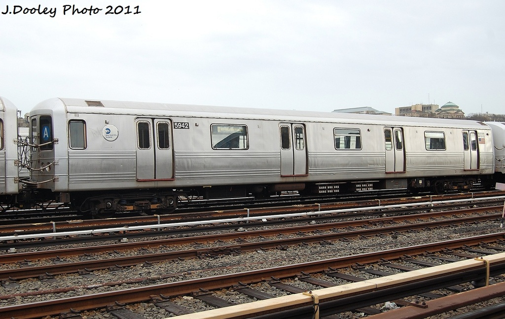 (322k, 1024x647)<br><b>Country:</b> United States<br><b>City:</b> New York<br><b>System:</b> New York City Transit<br><b>Location:</b> 207th Street Yard<br><b>Car:</b> R-46 (Pullman-Standard, 1974-75) 5942 <br><b>Photo by:</b> John Dooley<br><b>Date:</b> 11/29/2011<br><b>Viewed (this week/total):</b> 0 / 559