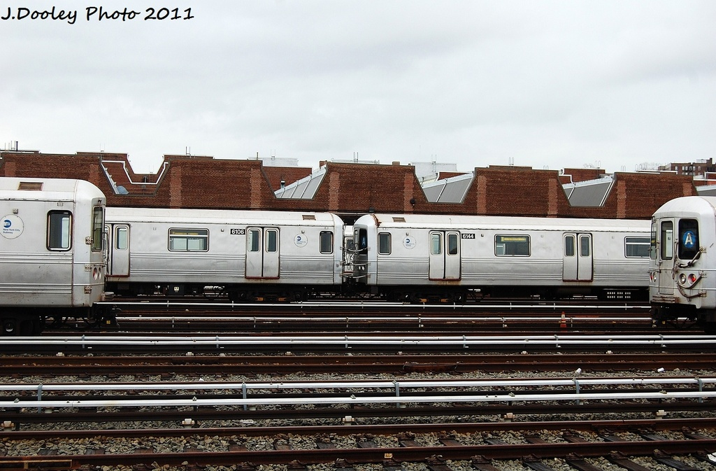 (330k, 1024x673)<br><b>Country:</b> United States<br><b>City:</b> New York<br><b>System:</b> New York City Transit<br><b>Location:</b> 207th Street Yard<br><b>Car:</b> R-46 (Pullman-Standard, 1974-75) 6106/6144 <br><b>Photo by:</b> John Dooley<br><b>Date:</b> 11/29/2011<br><b>Viewed (this week/total):</b> 1 / 499