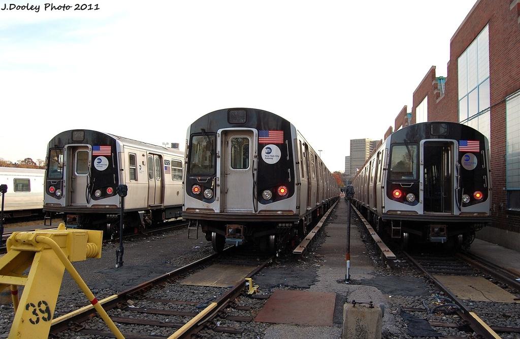 (297k, 1024x669)<br><b>Country:</b> United States<br><b>City:</b> New York<br><b>System:</b> New York City Transit<br><b>Location:</b> Jamaica Yard/Shops<br><b>Car:</b> R-160B (Option 1) (Kawasaki, 2008-2009)  9212/9812/9713 <br><b>Photo by:</b> John Dooley<br><b>Date:</b> 11/19/2011<br><b>Viewed (this week/total):</b> 0 / 753