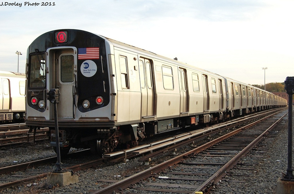 (328k, 1024x675)<br><b>Country:</b> United States<br><b>City:</b> New York<br><b>System:</b> New York City Transit<br><b>Location:</b> Jamaica Yard/Shops<br><b>Car:</b> R-160A (Option 1) (Alstom, 2008-2009, 5 car sets)  9487 <br><b>Photo by:</b> John Dooley<br><b>Date:</b> 11/19/2011<br><b>Viewed (this week/total):</b> 2 / 934