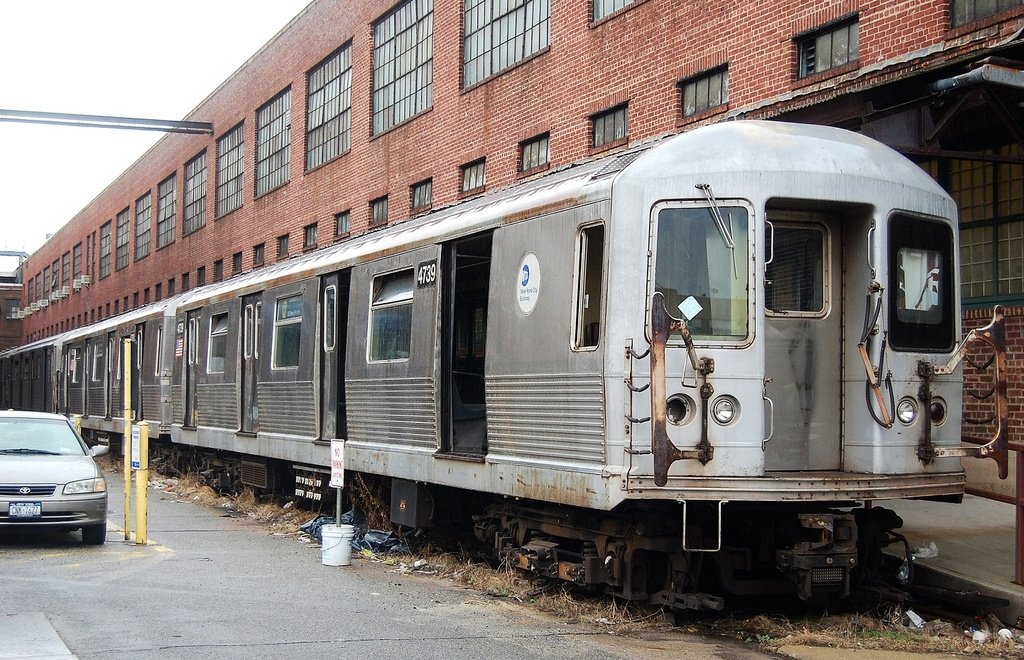 (401k, 1024x660)<br><b>Country:</b> United States<br><b>City:</b> New York<br><b>System:</b> New York City Transit<br><b>Location:</b> 207th Street Yard<br><b>Car:</b> R-42 (St. Louis, 1969-1970)  4739 <br><b>Photo by:</b> John Dooley<br><b>Date:</b> 11/29/2011<br><b>Viewed (this week/total):</b> 4 / 737