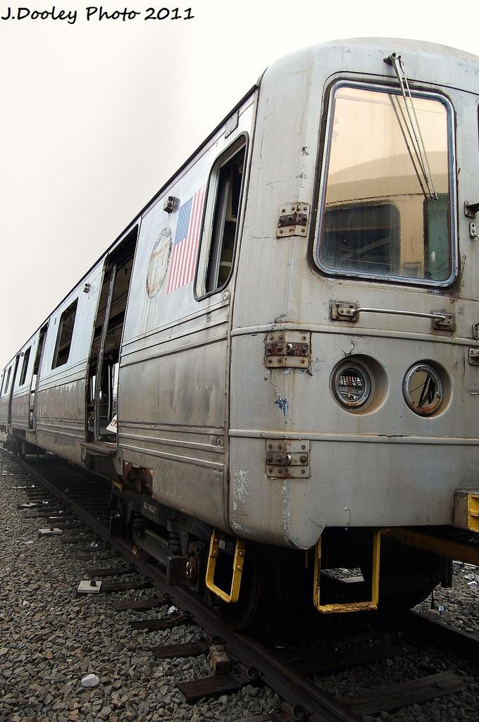 (325k, 680x1025)<br><b>Country:</b> United States<br><b>City:</b> New York<br><b>System:</b> New York City Transit<br><b>Location:</b> 207th Street Yard<br><b>Car:</b> R-44 SIRT (St. Louis, 1971-1973) 402 <br><b>Photo by:</b> John Dooley<br><b>Date:</b> 11/29/2011<br><b>Viewed (this week/total):</b> 0 / 1416