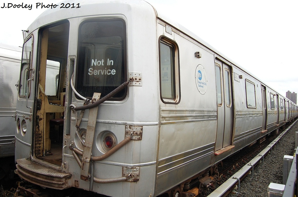 (307k, 1024x680)<br><b>Country:</b> United States<br><b>City:</b> New York<br><b>System:</b> New York City Transit<br><b>Location:</b> 207th Street Yard<br><b>Car:</b> R-44 (St. Louis, 1971-73) 5216 <br><b>Photo by:</b> John Dooley<br><b>Date:</b> 11/29/2011<br><b>Viewed (this week/total):</b> 0 / 496