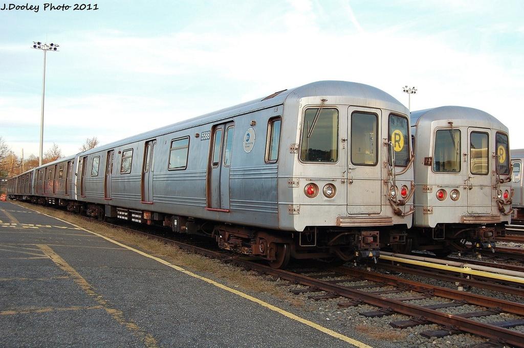 (336k, 1024x681)<br><b>Country:</b> United States<br><b>City:</b> New York<br><b>System:</b> New York City Transit<br><b>Location:</b> Jamaica Yard/Shops<br><b>Car:</b> R-46 (Pullman-Standard, 1974-75) 5588 <br><b>Photo by:</b> John Dooley<br><b>Date:</b> 11/19/2011<br><b>Viewed (this week/total):</b> 0 / 751