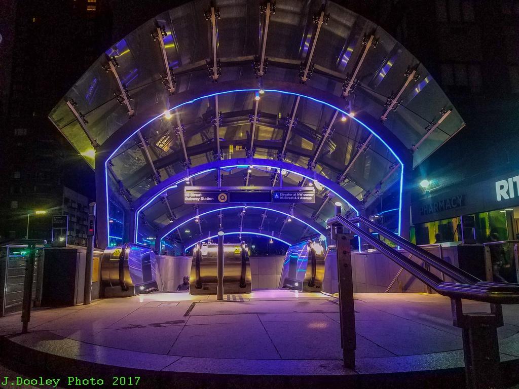 (334k, 1024x768)<br><b>Country:</b> United States<br><b>City:</b> New York<br><b>System:</b> New York City Transit<br><b>Line:</b> 2nd Avenue Subway<br><b>Location:</b> 96th Street<br><b>Photo by:</b> John Dooley<br><b>Date:</b> 10/8/2017<br><b>Viewed (this week/total):</b> 0 / 1066