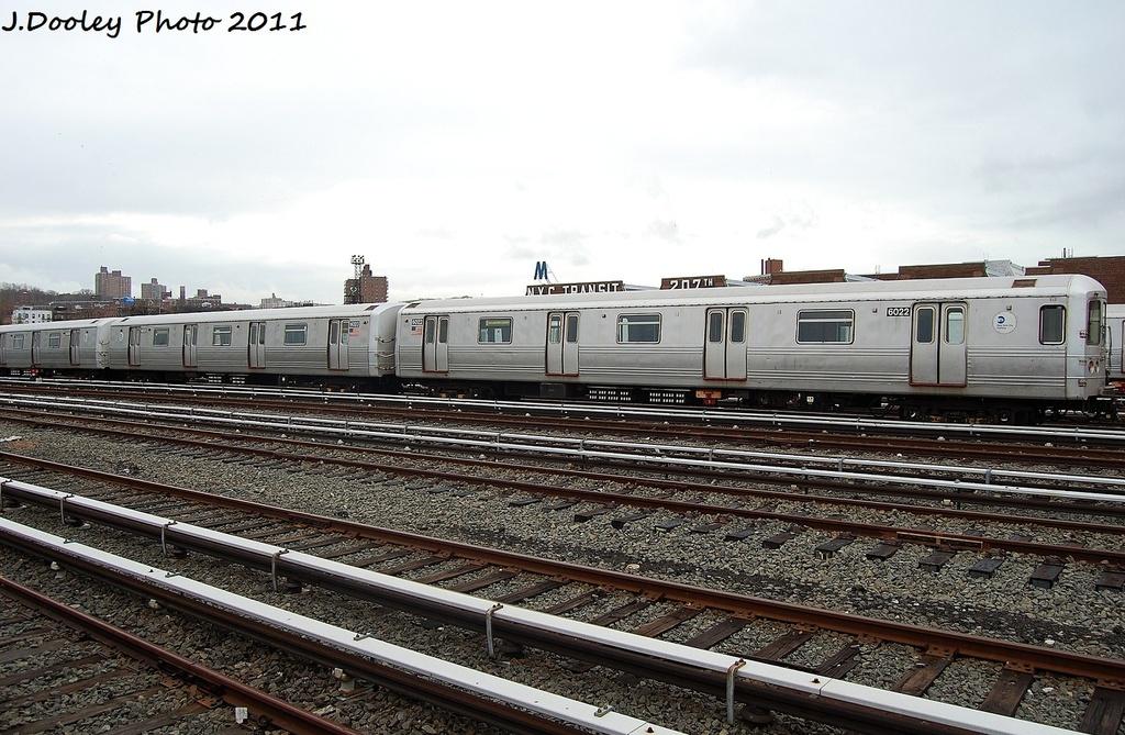 (345k, 1024x669)<br><b>Country:</b> United States<br><b>City:</b> New York<br><b>System:</b> New York City Transit<br><b>Location:</b> 207th Street Yard<br><b>Car:</b> R-46 (Pullman-Standard, 1974-75) 6022 <br><b>Photo by:</b> John Dooley<br><b>Date:</b> 11/29/2011<br><b>Viewed (this week/total):</b> 0 / 466