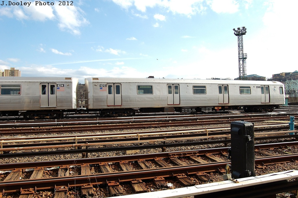 (356k, 1024x680)<br><b>Country:</b> United States<br><b>City:</b> New York<br><b>System:</b> New York City Transit<br><b>Location:</b> 207th Street Yard<br><b>Car:</b> R-46 (Pullman-Standard, 1974-75) 6212 <br><b>Photo by:</b> John Dooley<br><b>Date:</b> 2/1/2012<br><b>Viewed (this week/total):</b> 0 / 565