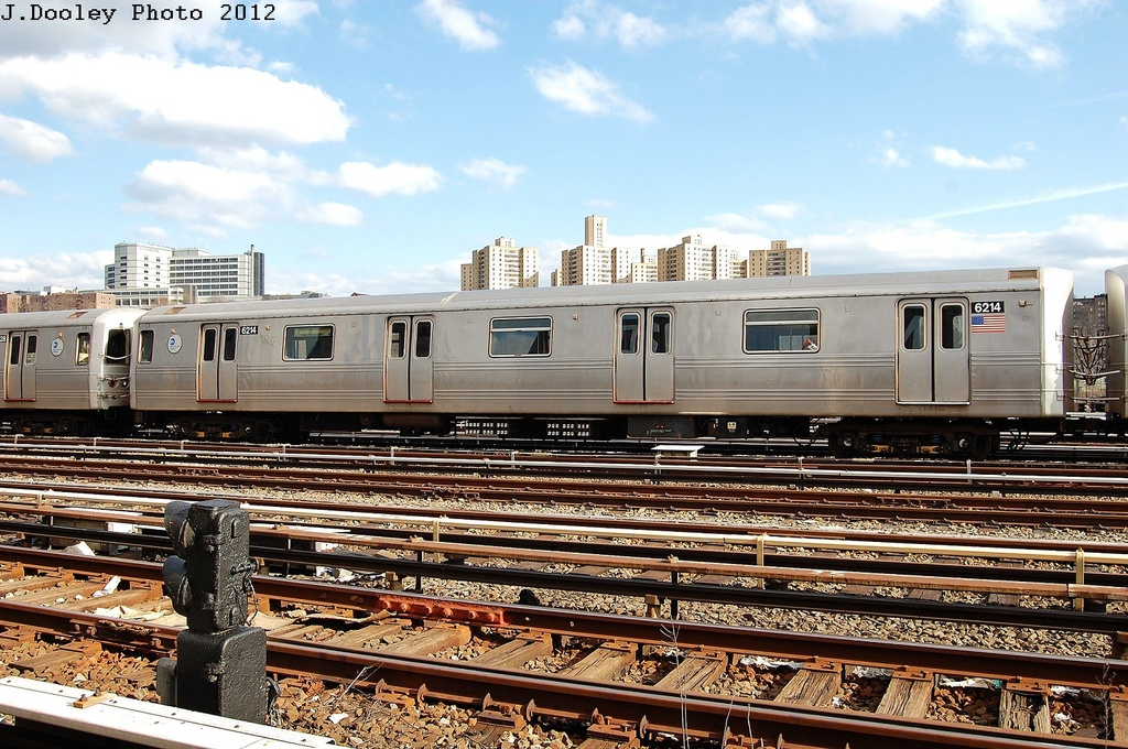 (383k, 1024x680)<br><b>Country:</b> United States<br><b>City:</b> New York<br><b>System:</b> New York City Transit<br><b>Location:</b> 207th Street Yard<br><b>Car:</b> R-46 (Pullman-Standard, 1974-75) 6214 <br><b>Photo by:</b> John Dooley<br><b>Date:</b> 2/1/2012<br><b>Viewed (this week/total):</b> 0 / 552