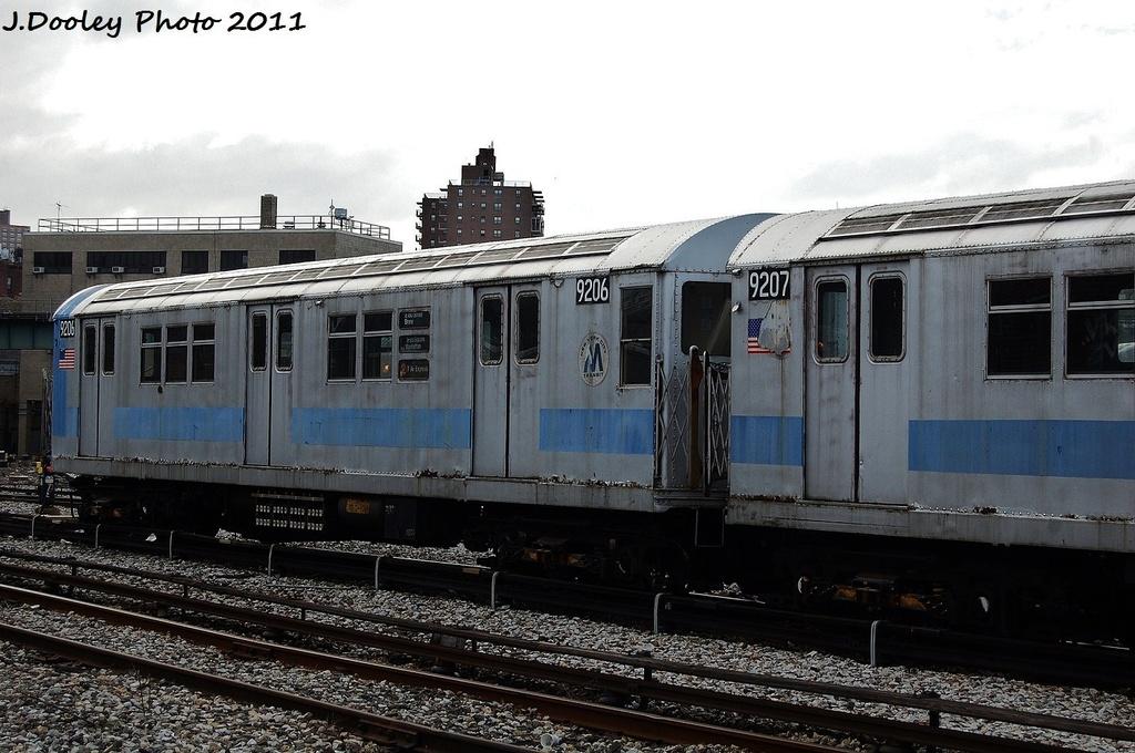 (314k, 1024x680)<br><b>Country:</b> United States<br><b>City:</b> New York<br><b>System:</b> New York City Transit<br><b>Location:</b> 207th Street Yard<br><b>Car:</b> R-33 Main Line (St. Louis, 1962-63) 9206 <br><b>Photo by:</b> John Dooley<br><b>Date:</b> 11/29/2011<br><b>Viewed (this week/total):</b> 3 / 734