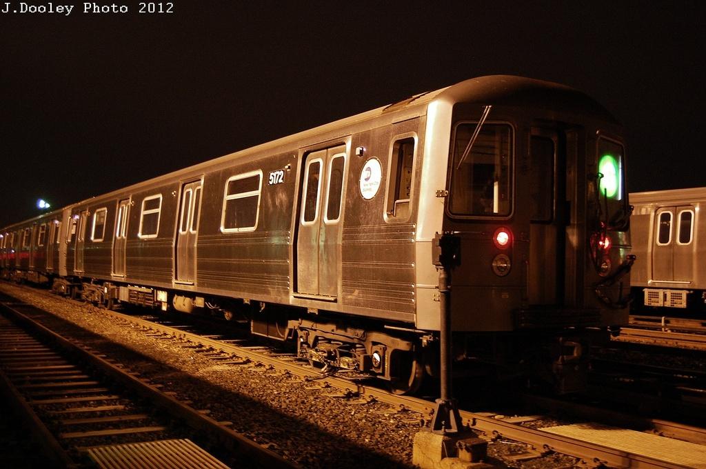 (317k, 1024x680)<br><b>Country:</b> United States<br><b>City:</b> New York<br><b>System:</b> New York City Transit<br><b>Location:</b> Jamaica Yard/Shops<br><b>Car:</b> R-68A (Kawasaki, 1988-1989)  5172 <br><b>Photo by:</b> John Dooley<br><b>Date:</b> 2/23/2012<br><b>Viewed (this week/total):</b> 0 / 1211
