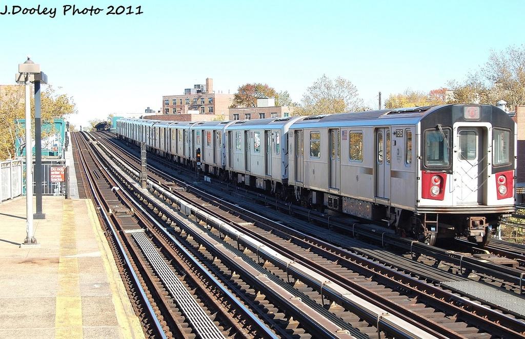 (399k, 1024x662)<br><b>Country:</b> United States<br><b>City:</b> New York<br><b>System:</b> New York City Transit<br><b>Line:</b> IRT Pelham Line<br><b>Location:</b> Middletown Road <br><b>Route:</b> 6<br><b>Car:</b> R-142A (Primary Order, Kawasaki, 1999-2002)  7515 <br><b>Photo by:</b> John Dooley<br><b>Date:</b> 11/5/2011<br><b>Viewed (this week/total):</b> 1 / 679