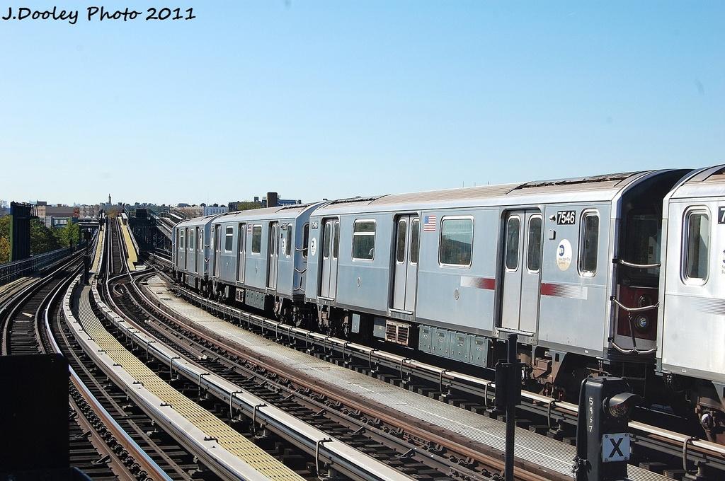 (335k, 1024x680)<br><b>Country:</b> United States<br><b>City:</b> New York<br><b>System:</b> New York City Transit<br><b>Line:</b> IRT Pelham Line<br><b>Location:</b> Middletown Road <br><b>Route:</b> 6<br><b>Car:</b> R-142A (Primary Order, Kawasaki, 1999-2002)  7546 <br><b>Photo by:</b> John Dooley<br><b>Date:</b> 11/5/2011<br><b>Viewed (this week/total):</b> 1 / 929