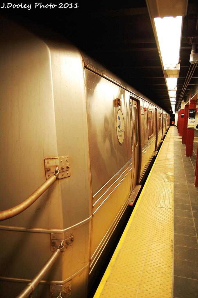 (287k, 681x1024)<br><b>Country:</b> United States<br><b>City:</b> New York<br><b>System:</b> New York City Transit<br><b>Line:</b> BMT Broadway Line<br><b>Location:</b> Cortlandt Street-World Trade Center <br><b>Route:</b> R<br><b>Car:</b> R-46 (Pullman-Standard, 1974-75) 5509 <br><b>Photo by:</b> John Dooley<br><b>Date:</b> 9/6/2011<br><b>Viewed (this week/total):</b> 0 / 656
