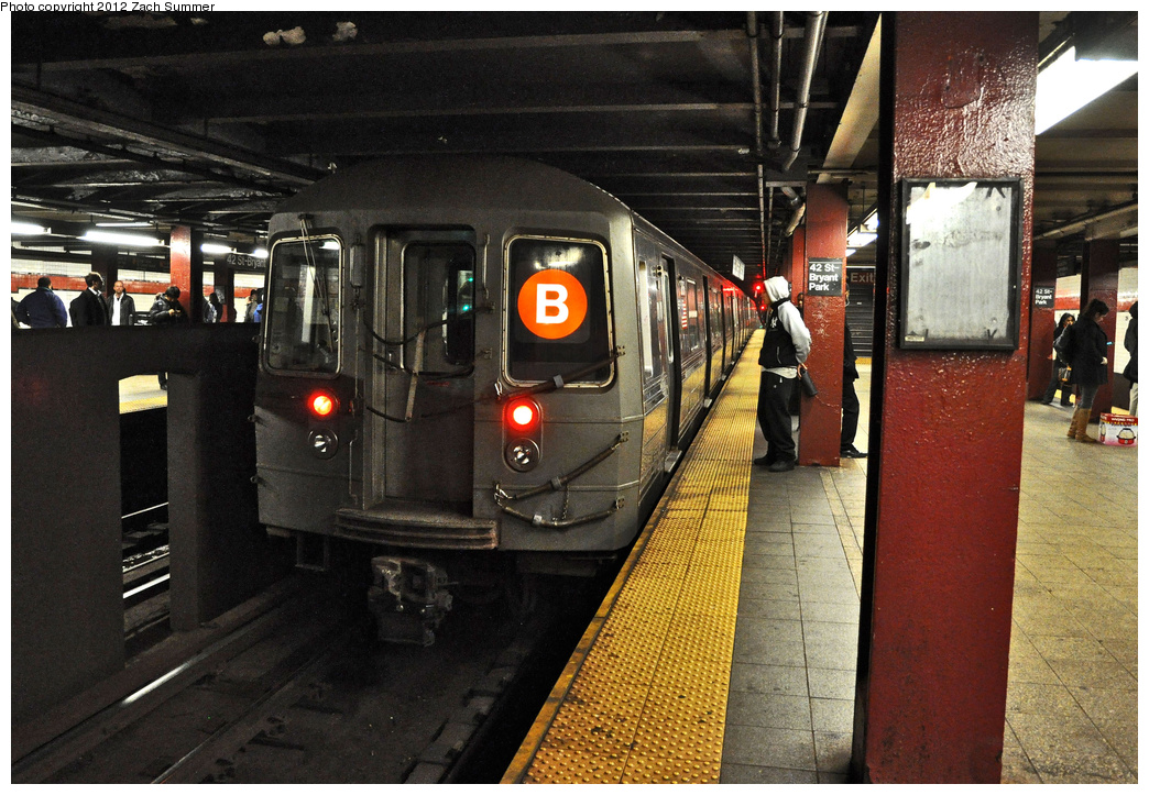 (431k, 1044x723)<br><b>Country:</b> United States<br><b>City:</b> New York<br><b>System:</b> New York City Transit<br><b>Line:</b> IND 6th Avenue Line<br><b>Location:</b> 42nd Street/Bryant Park <br><b>Route:</b> B<br><b>Car:</b> R-68 (Westinghouse-Amrail, 1986-1988)  2886 <br><b>Photo by:</b> Zach Summer<br><b>Date:</b> 12/19/2011<br><b>Viewed (this week/total):</b> 1 / 1160