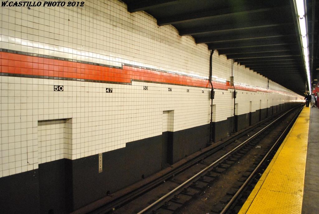(292k, 1024x687)<br><b>Country:</b> United States<br><b>City:</b> New York<br><b>System:</b> New York City Transit<br><b>Line:</b> IND 6th Avenue Line<br><b>Location:</b> 47-50th Street/Rockefeller Center <br><b>Photo by:</b> Wilfredo Castillo<br><b>Date:</b> 4/21/2012<br><b>Viewed (this week/total):</b> 0 / 818
