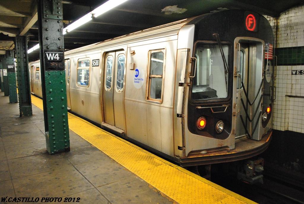 (310k, 1024x687)<br><b>Country:</b> United States<br><b>City:</b> New York<br><b>System:</b> New York City Transit<br><b>Line:</b> IND 6th Avenue Line<br><b>Location:</b> West 4th Street/Washington Square <br><b>Route:</b> F<br><b>Car:</b> R-160A (Option 1) (Alstom, 2008-2009, 5 car sets)  9588 <br><b>Photo by:</b> Wilfredo Castillo<br><b>Date:</b> 4/21/2012<br><b>Viewed (this week/total):</b> 3 / 824