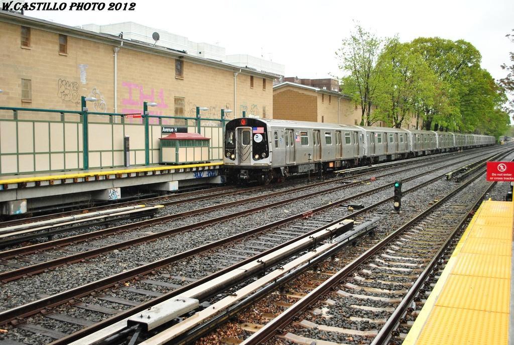 (398k, 1024x687)<br><b>Country:</b> United States<br><b>City:</b> New York<br><b>System:</b> New York City Transit<br><b>Line:</b> BMT Brighton Line<br><b>Location:</b> Avenue H <br><b>Route:</b> Q<br><b>Car:</b> R-160B (Option 1) (Kawasaki, 2008-2009)  9022 <br><b>Photo by:</b> Wilfredo Castillo<br><b>Date:</b> 4/22/2012<br><b>Viewed (this week/total):</b> 0 / 992