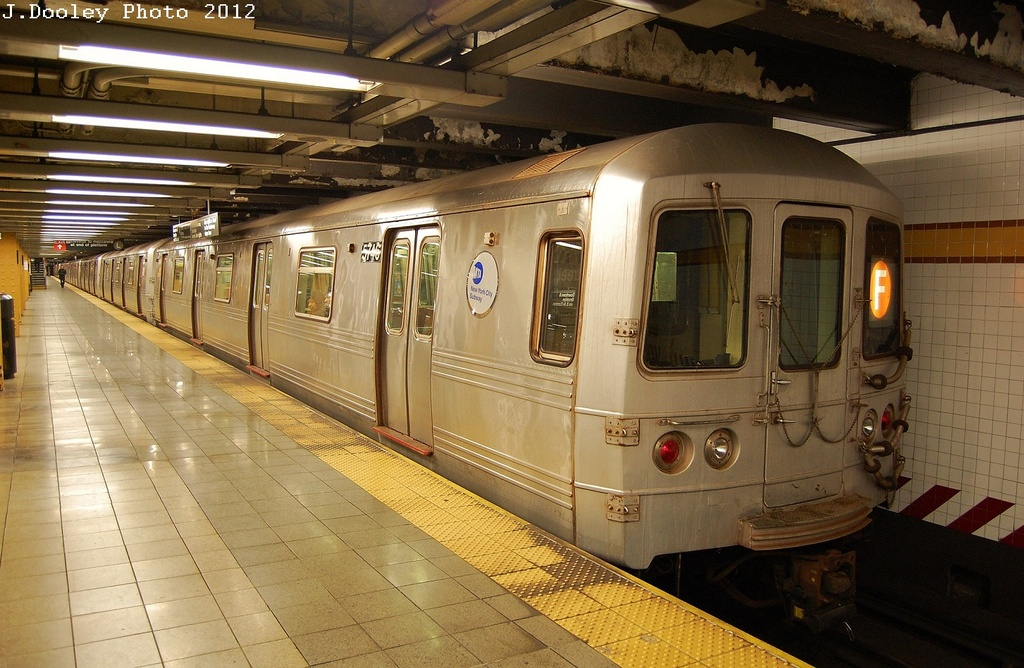 (341k, 1024x668)<br><b>Country:</b> United States<br><b>City:</b> New York<br><b>System:</b> New York City Transit<br><b>Line:</b> IND 6th Avenue Line<br><b>Location:</b> 14th Street <br><b>Route:</b> F<br><b>Car:</b> R-46 (Pullman-Standard, 1974-75) 5746 <br><b>Photo by:</b> John Dooley<br><b>Date:</b> 2/29/2012<br><b>Viewed (this week/total):</b> 5 / 854