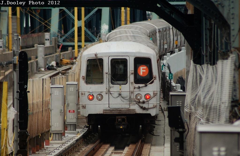(309k, 1024x668)<br><b>Country:</b> United States<br><b>City:</b> New York<br><b>System:</b> New York City Transit<br><b>Line:</b> IND Crosstown Line<br><b>Location:</b> 4th Avenue <br><b>Route:</b> F<br><b>Car:</b> R-46 (Pullman-Standard, 1974-75) 5820 <br><b>Photo by:</b> John Dooley<br><b>Date:</b> 3/15/2012<br><b>Viewed (this week/total):</b> 0 / 946