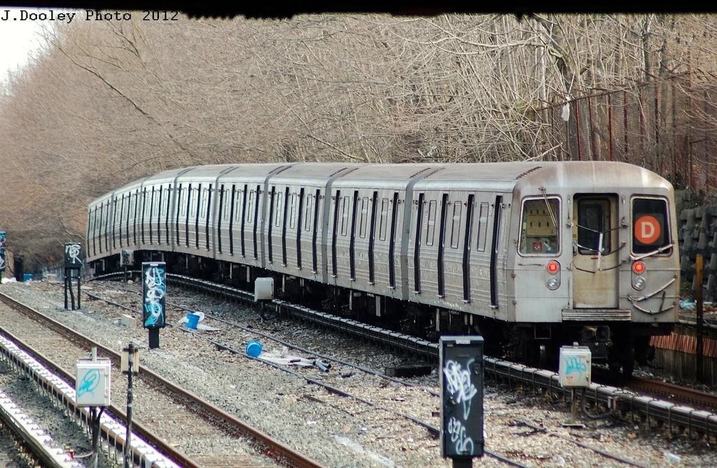 (438k, 1024x668)<br><b>Country:</b> United States<br><b>City:</b> New York<br><b>System:</b> New York City Transit<br><b>Line:</b> BMT Sea Beach Line<br><b>Location:</b> Fort Hamilton Parkway <br><b>Route:</b> D reroute<br><b>Car:</b> R-68 (Westinghouse-Amrail, 1986-1988)  2632 <br><b>Photo by:</b> John Dooley<br><b>Date:</b> 3/12/2012<br><b>Viewed (this week/total):</b> 0 / 1055