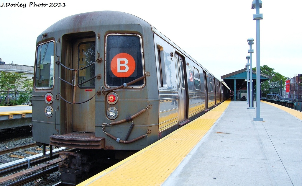 (295k, 1024x630)<br><b>Country:</b> United States<br><b>City:</b> New York<br><b>System:</b> New York City Transit<br><b>Line:</b> BMT Brighton Line<br><b>Location:</b> Kings Highway <br><b>Route:</b> B<br><b>Car:</b> R-68 (Westinghouse-Amrail, 1986-1988)  2790 <br><b>Photo by:</b> John Dooley<br><b>Date:</b> 10/11/2011<br><b>Viewed (this week/total):</b> 0 / 877