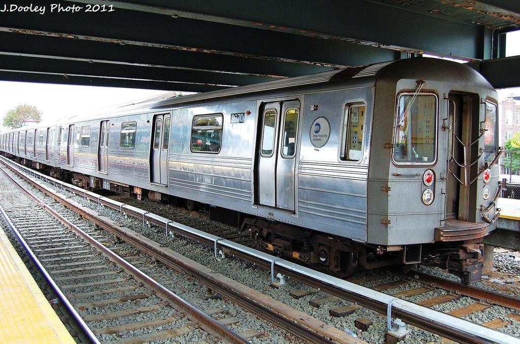 (416k, 1024x677)<br><b>Country:</b> United States<br><b>City:</b> New York<br><b>System:</b> New York City Transit<br><b>Line:</b> BMT Brighton Line<br><b>Location:</b> Kings Highway <br><b>Route:</b> B<br><b>Car:</b> R-68 (Westinghouse-Amrail, 1986-1988)  2870 <br><b>Photo by:</b> John Dooley<br><b>Date:</b> 10/11/2011<br><b>Viewed (this week/total):</b> 0 / 745