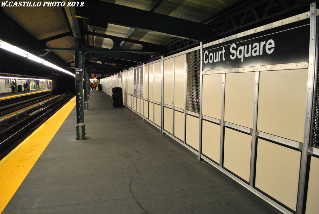 (273k, 1024x687)<br><b>Country:</b> United States<br><b>City:</b> New York<br><b>System:</b> New York City Transit<br><b>Line:</b> IRT Flushing Line<br><b>Location:</b> Court House Square/45th Road <br><b>Photo by:</b> Wilfredo Castillo<br><b>Date:</b> 4/21/2012<br><b>Viewed (this week/total):</b> 0 / 954